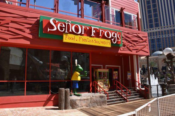 Channel letters Senor frogs DSC_0423_compressed